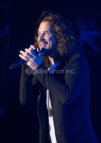 FORT MYERS, FL - APRIL 30: Soundgarden performs during Day 2 of the Fort Rock Festival at JetBlue Park in Fort Myers, Florida on April 30, 2017. Credit: Aaron Gilbert/MediaPunch