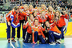 Leipzig, Germany, February 08: Team of The Netherlands presents the World Cup Trophy after defeating Germany after shoot-out to win the FIH Indoor Hockey Women World Cup on February 8, 2015 at the Arena Leipzig in Leipzig, Germany. (Photo by Dirk Markgraf / www.265-images.com) *** Local caption ***