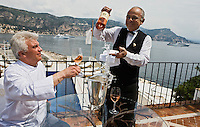 Europe/France/Provence-Alpes-C&ocirc;te d'Azur/06/Alpes-Maritimes/ St Jean Cap Ferrat : H&ocirc;tel: La Voile d'Or,  le chef : Georges P&eacute;lissier avec le sommelier Patrice Lopez.<br />  [Non destin&eacute; &agrave; un usage publicitaire - Not intended for an advertising use]