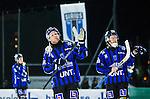 Uppsala 2014-11-15 Bandy Elitserien IK Sirius - IFK V&auml;nersborg :  <br /> Sirius Patrik Johansson och Niklas Eriksson tackar publiken efter matchen mellan IK Sirius och IFK V&auml;nersborg <br /> (Foto: Kenta J&ouml;nsson) Nyckelord:  Bandy Elitserien Uppsala Studenternas IP IK Sirius IKS IFK V&auml;nersborg  depp besviken besvikelse sorg ledsen deppig nedst&auml;md uppgiven sad disappointment disappointed dejected