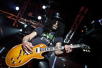Slash performing at MTV Classic Launch, The Palace Theatre, Melbourne, 28 April 2010