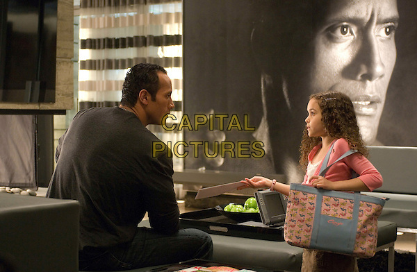 "DWAYNE ""THE ROCK"" JOHNSON & MADISON PETTIS.in The Game Plan .*Filmstill - Editorial Use Only*.CAP/FB.Supplied by Capital Pictures."
