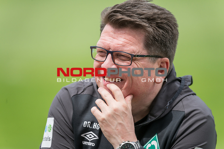 05.01.2019, Trainingsgelaende Randburg Football Club, Johannesburg, RSA, TL Werder Bremen Johannesburg Tag 03<br /> <br /> im Bild / picture shows <br /> <br /> Dr. Hubertus Hess-Grunewald (Gesch&auml;ftsf&uuml;hrer Organisation &amp; Sport SV Werder Bremen)<br /> <br /> Einzelaktion, Halbk&ouml;rper / Halbkoerper,<br /> Portrait<br /> <br /> Foto &copy; nordphoto / Kokenge