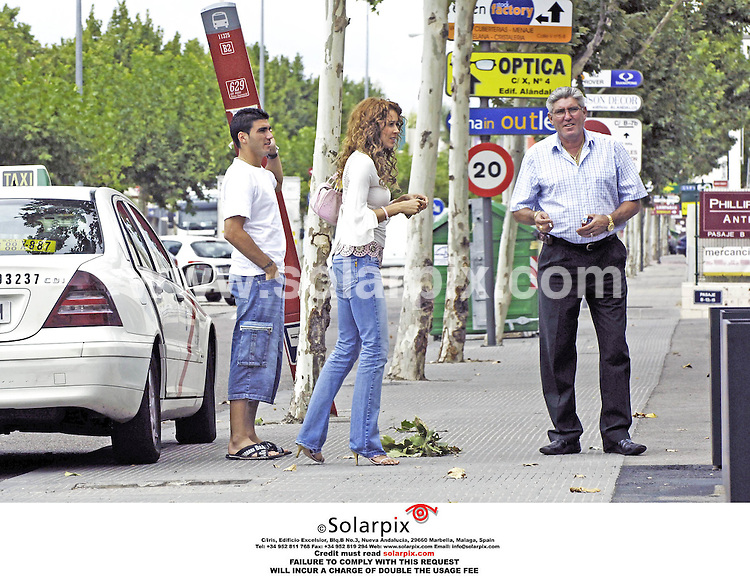 ALL-ROUND EXCLUSIVE PICTURES FROM SOLARPIX.COM .**NO SYNDICATION IN SPAIN**.*MUST CREDIT SOLARPIX.COM OR DOUBLE USAGE FEE* Pictures show Antonio Reyes with new model girlfriend Ana Lopez. The couple went shopping together in Madrid and Reyes looked very happy to be back in his homeland after his last minute transfer to Real Madrid from North London club Arsenal..JOB  REF:  2799-RAP