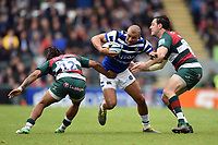 Jonathan Joseph of Bath Rugby takes on the Leicester Tigers defence. Gallagher Premiership match, between Leicester Tigers and Bath Rugby on May 18, 2019 at Welford Road in Leicester, England. Photo by: Patrick Khachfe / Onside Images