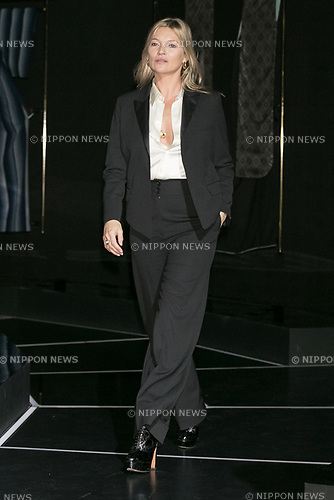 Model Kate Moss attends the opening ceremony for the KIMONO ROBOTO exhibition at Omotesando Hills on November 30, 2017, Tokyo, Japan. The exhibition features 13 kimonos created by experts using traditional methods and a humanoid robot dressed in traditional kimono performing in the middle of the hall. The exhibition runs til December 10. (Photo by Rodrigo Reyes Marin/AFLO)