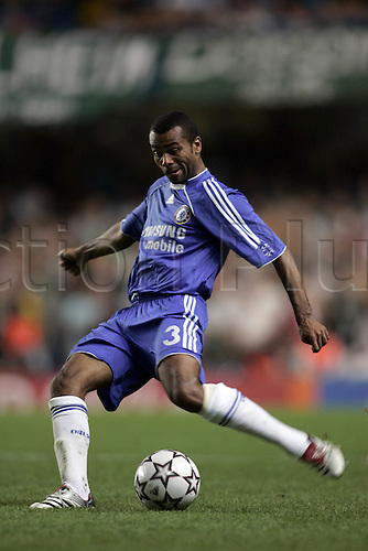 12 September 2006:  Chelsea defender Ashley Cole in action during the UEFA Champions League Group A game between Chelsea and Werder Bremen. Chelsea won the game, played at Stamford Bridge 2-0. Photo: Glyn Kirk/Action plus...060912 football player