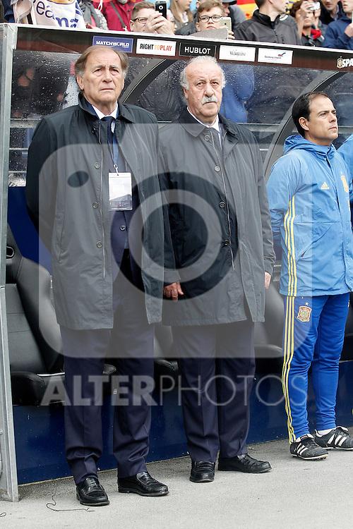 Spain's coach Vicente del Bosque (r) and his second Toni Grande during friendly match. June 1,2016.(ALTERPHOTOS/Acero)