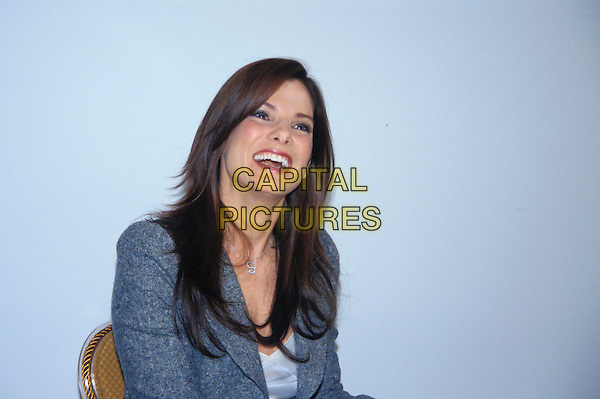 SANDRA BULLOCK.March 2005.headshot portrait .www.capitalpictures.com.sales@capitalpictures.com.© Capital Pictures.