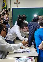 ATENÇÃO EDITOR: FOTO EMBARGADA PARA VEICULOS INTERNACIONAIS, São paulo SP 07 de outubro 2012 - Eleições 2012 Celso Russumanno - o candidato a prefreitura de são paulo Celso Russomanno é visto votando no colégio Santo américo no bairo do morumbi na regiao sul da capital paulista neste domingo, 07. FOTO: William Volcov / BRAZIL PHOTO PRESS