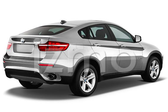 Passenger side rear three quarter view of a 2013 BMW X6 xDrive35i .