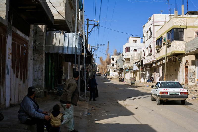 Rafah, Gaza Strip, Jan 13 2009.The Philadelphia corridor (border with Egypt) is being bombed repeatedly by the Israeli air force in the hope of destroying the countless smuggling tunnels running underneath. On the 18th day of the Israeli operation in Gaza, one and a half million people are still deprived of electricity and basic supplies, as well as being unable to flee from the densely populated combat zone.