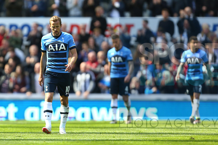 Tottenham's Harry Kane dejected following Newcastle's second goal during the Barclays Premier League match at St James' Park. Photo credit should read: Philip Oldham/Sportimage