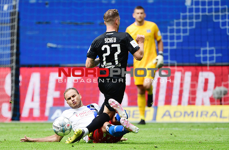 v.l. Ewerton (HSV), Robin Scheu<br />Hamburg, 28.06.2020, Fussball 2. Bundesliga, Hamburger SV - SV Sandhausen<br />Foto: VWitters/Witters/Pool//via nordphoto<br /> DFL REGULATIONS PROHIBIT ANY USE OF PHOTOGRAPHS AS IMAGE SEQUENCES AND OR QUASI VIDEO<br />EDITORIAL USE ONLY<br />NATIONAL AND INTERNATIONAL NEWS AGENCIES OUT