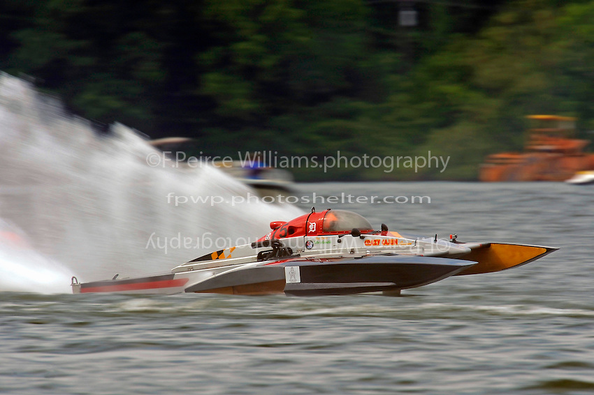 "Joe Sovie, E-75, ""Crazy Cajun"" (5 Litre class hydroplane(s)"