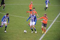 VOETBAL: HEERENVEEN: 09-11-2016, Sportpark Skoatterwâld, SC Heerenveen - FC Volendam, uitslag 2-1, Henk Veerman in duel, ©foto Martin de Jong