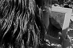 Descrição: Comunidade de Santa Helena, na região do baixo Jequitinhonha, Norte de Minas Gerais. Nessa região é possível encontrar três tipos de biomas: caatinga, cerrado e mata atlântica. A ASA Brasil, Articulação no Semiárido Brasileiro, tem implementado em diversas comunidades no Norte de Minas o Programa Uma Terra e Duas Águas (P1+2) e o Programa Um Milhão de Cisternas (P1MC) que tem como objetivo viabilizar a captação e armazenamento de água de chuva nessas comunidades para consumo humano, criação de animais e produção de alimentos.