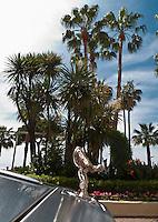 Europe/France/Provence-Alpes-Côte d'Azur/06/Alpes-Maritimes/Cannes: Détail Calandre d'une Rolls royce sur La Croisette devant l'Hôtel Carlton