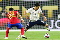 HOUSTON - UNITED STATES, 11-06-2016: xxx (Izq) jugador de Colombia (COL) disputa el balón con Ronald Matarrita (Der) jugador de Costa Rica (CRC) durante partido del grupo A fecha 3 por la Copa América Centenario USA 2016 jugado en el estadio NRG en Houston, Texas, USA. /  Guillermo Celis  (L) player of Colombia (COL) fights the ball with Ronald Matarrita (R) player of Costa Rica (CRC) during match of the group A date 3 for the Copa América Centenario USA 2016 played at NRG stadium in Houston, Texas ,USA. Photo: VizzorImage/ Luis Alvarez /Str