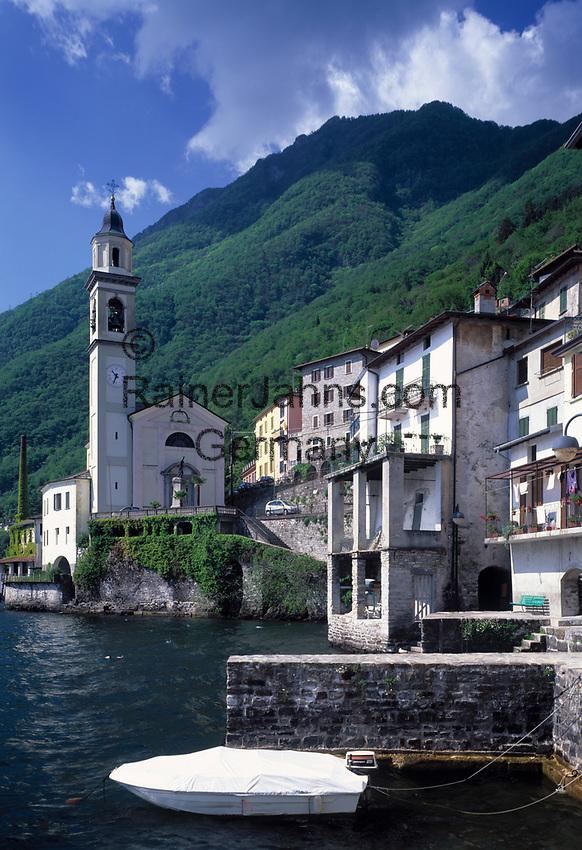 ITA, Italien, Lombardei, Brienno am Westufer des Comer Sees mit Kirche S. Nazario e Sauro   ITA, Italy, Lombardia, Brienno at Lake Como with church S. Nazario e Sauro
