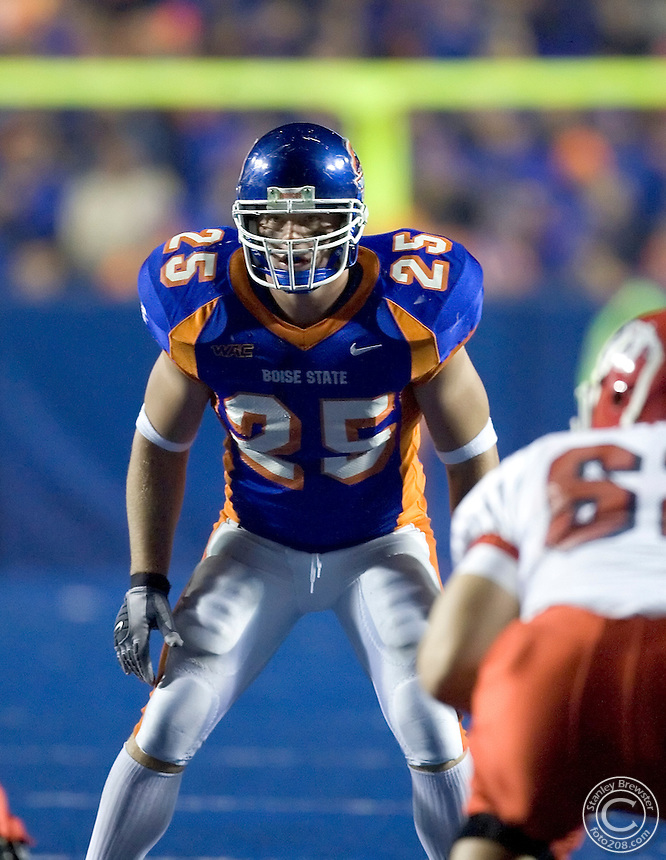 01 November 2006: Boise State linebacker Kory Hall lines up and waits for the snap against rival Fresno State during second half action of the Nationally televised ESPN game in Bronco Stadium  in Boise Idaho.