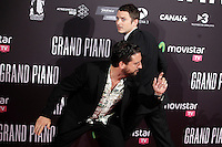 Spanish director Eugenio Mira (L) and actor Elijah Wood attend 'Grand Piano' photocall at the Capitol cinema on October 15, 2013 in Madrid, Spain. (ALTERPHOTOS/Victor Blanco)