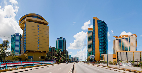 Port of Spain, Wrightson Road -  highway to the city panoramic