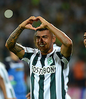 MEDELLIN - COLOMBIA -15 -03-2015: Jefferson Duque, jugador de Atletico Nacional, celebra el gol anotado al Deportivo Independiente Medellin, durante partido entre Atletico Nacional y Deportivo Independiente Medellin por la fecha 10 la Liga Aguila I 2015, jugado en el estadio Atanasio Girardot de la ciudad de Medellin.  / Jefferson Duque, player of Atletico Nacional  celebrates a scored goal to Deportivo Independiente Medellin during a match for the date 10 between Atletico Nacional and Deportivo Independiente Medellin the Liga Aguila I 2015 at the Atanasio Girardot stadium in Medellin city. Photo: VizzorImage. / Leon Monsalve / Str.