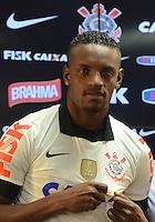 SÃO PAULO,SP, 30 julho 2013 -  Zagueiro Cleber e apresentado como novo reforco  durante treino do Corinthians no CT Joaquim Grava na zona leste de Sao Paulo, onde o time se prepara  para para enfrentar o Gremio pelo campeonato brasileiro . FOTO ALAN MORICI - BRAZIL FOTO PRESS