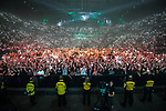 © Joel Goodman - 07973 332324 . No Editorial syndictaion permitted . 09/09/2017. Manchester , UK . Crowd in the venue . We Are Manchester reopening charity concert at the Manchester Arena with performances by Manchester artists including  Noel Gallagher , Courteeners , Blossoms and the poet Tony Walsh . The Arena has been closed since 22nd May 2017 , after Salman Abedi's terrorist attack at an Ariana Grande concert killed 22 and injured 250 . Money raised will go towards the victims of the bombing . Photo credit : Joel Goodman