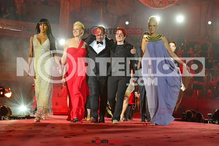 """Naomi Campbell, staff, Gery Keszler (Organisator), staff and Brigitte Nielsen on stage at the """"20th Life Ball"""" AIDS Charity Gala 2012 held at the Vienna City Hall. Vienna, Austria, 19th May 2012..Credit: face to face /MediaPunch Inc. ***FOR USA ONLY**"""