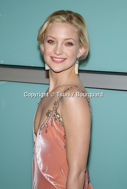 """Kate Hudson arriving at the premiere of """" How To Lose A Guy In 10 Days """" at the Cinerama Dome in Los Angeles. January 27, 2003.          -            HudsonKate09.jpg"""