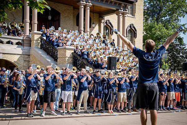 August 26, 2017; ND Trail day 13: The Notre Dame Marching Band performs on the Main Building steps. (Photo by Matt Cashore/University of Notre Dame)