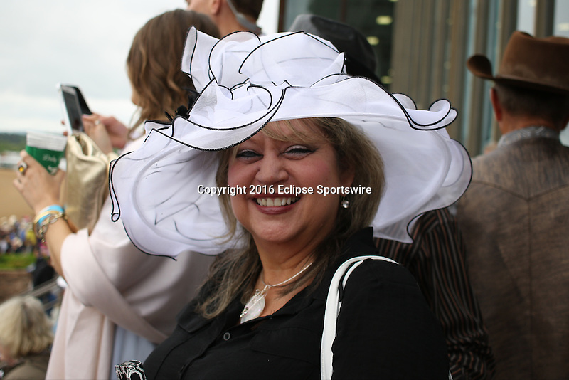 HOT SPRINGS, AR - APRIL 16: Hats before the Arkansas Derby at Oaklawn Park were in full forceon April 16, 2016 in Hot Springs, Arkansas. (Photo by Justin Manning/Elipse Sportwire/Getty Images)