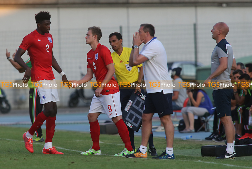 Last throw of the dice for England as James Wilson replaces Dominic Iorfa for the last few minutes - England Under-20 vs Mexico Under-20 - 2015 Toulon Tournament Football at Stade de Lattre-de-Tassigny, Aubagne, France - 03/06/15 - MANDATORY CREDIT: Paul Dennis/TGSPHOTO - Self billing applies where appropriate - contact@tgsphoto.co.uk - NO UNPAID USE