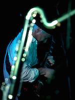 CIUDAD DE MÉXICO, DF. Julio 12, 2013  – Alejandro Otaola toca la guitarra con el grupo de Jazz, Los Dorados, junto a un saxofón en el Bar Caradura de la Ciudad de México.  FOTO: ALEJANDRO MELÉNDEZ<br /> <br /> MEXICO CITY, DF. July 12, 2013 - Alejandro Otaola plays guitar with the jazz band, Los Dorados, with a saxophone in the Bar Caradura Mexico City. PHOTO: ALEJANDRO MELENDEZ