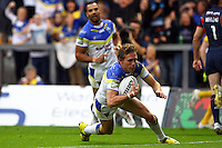 PICTURE BY ALEX WHITEHEAD/SWPIX.COM - Rugby League - Super League Play-Off - Warrington Wolves vs St Helens - The Halliwell Jones Stadium, Warrington, England - 15/09/12 - Warrington's Brett Hodgson scores a try.