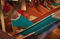 Transporte de passageiros leva centenas de pessoas que se instalam em redes durante a viagem de doze horas saindo de Vila Prograsso no Arquipélago do Bailique até a cidade de Macapá na foz do rio Amazonas, Amapá, Brasil.Foto Paulo Santos09/06/2015