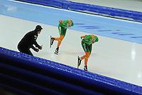 SCHAATSEN: HEERENVEEN: IJsstadion Thialf, 09-11-2012, KPN NK afstanden, Seizoen 2012-2013, 500m Heren, Jillert Anema (trainer BAM Univé Schaatsteam), Jorrit Bergsma, Bob de Jong, ©foto Martin de Jong