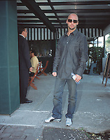 portrait of a man on the street of the expensive neighbourhood Polanco 05-04-04