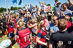 NIJMEGEN -  Vreugde bij Huizen ,   na   de tweede play-off wedstrijd dames, Nijmegen-Huizen (1-4), voor promotie naar de hoofdklasse.. Huizen promoveert naar de hoofdklasse.  COPYRIGHT KOEN SUYK