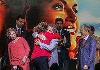SAO PAULO, SP, 20 FEVEREIRO 2013 -  10 ANOS DO GOVERNO FEDERAL NO PODER - A presidente Dilma Rousseff (E) e o ex presidente Luiz Inacio Lula da Silva durante a festa do PT para celebrar 33 anos do partido e dez anos no comando do Governo Federal, no Holiday Inn Parque Anhembi, na zona norte de São Paulo, nesta quarta-feira. FOTO: WILLIAM VOLCOV - BRAZIL PHOTO PRESS