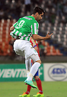 MEDELLIN - COLOMBIA -14-03-2014: Juan Pablo Angel jugador de Atletico Nacional celebra el gol anotado a Deportivo Pasto durante partido de la Onceava fecha de la Liga Postobon I 2014, jugado en el estadio Atanasio Girardot de la ciudad de Medellin. / Juan Pablo Angel player of Atletico Nacional celebrates a goal scored against Deportivo Pasto  during a match for the eleventh date of the Liga Postobon I 2014 at the Atanasio Girardot stadium in Medellin city. Photo: VizzorImage  / Luis Rios / Str