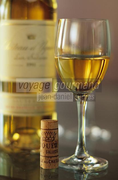Europe/France/Aquitaine/33/Gironde/Sauternais/Sauternes: Chateau d'Yquem - Dégustation d'un vin de 1991 [Non destiné à un usage publicitaire - Not intended for an advertising use]