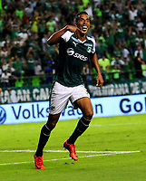 PALMIRA - COLOMBIA - 03 - 03 - 2018: Jhon Mosquera, jugador de Deportivo Cali celebra el gol anotado a Rionegro Aguilas Doradas, durante partido entre Deportivo Cali y Rionegro Aguilas Doradas de la fecha 6 por la liga Aguila I 2018, jugado en el estadio Deportivo Cali (Palmaseca) en la ciudad de Palmira. / Jhon Mosquera, player of Deportivo Cali celebrates a scored goal to Rionegro Aguilas Doradas, during a match between Deportivo Cali and Rionegro Aguilas Doradas of the 6th date for the Liga Aguila I 2018, at the Deportivo Cali (Palmaseca) stadium in Palmira city. Photo: VizzorImage  / Nelson Rios / Cont.