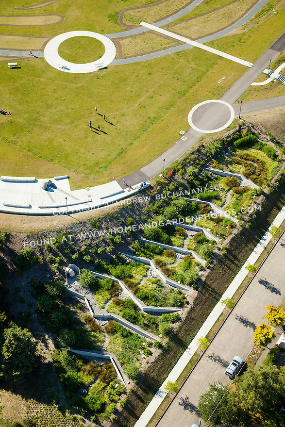 Maple Leaf lidded reservoir park, Seattle, WA; July, 2014