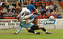 20040509    Copyright Pic: James Stewart.File Name : jspa16_clyde_v_ict..James Stewart Photo Agency 19 Carronlea Drive, Falkirk. FK2 8DN      Vat Reg No. 607 6932 25.Office     : +44 (0)1324 570906     .Mobile  : +44 (0)7721 416997.Fax         :  +44 (0)1324 570906.E-mail  :  jim@jspa.co.uk.If you require further information then contact Jim Stewart on any of the numbers above.........