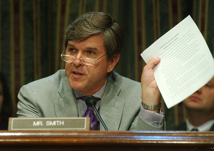 10/23/03.COMPANY-OWNED LIFE INSURANCE--Sen. Gordon H. Smith, R-Ore., during the Senate Finance Committee hearing on provisions of previously reported pension legislation that deals with company-owned life insurance (COLI). .CONGRESSIONAL QUARTERLY PHOTO BY SCOTT J. FERRELL
