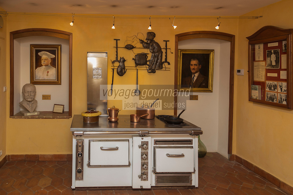 Europe/France/Provence-Alpes-Côte d'Azur/Alpes-Maritimes/Villeneuve-Loubet : Le musée de l'Art culinaire aménagé dans la maison natale d'Auguste Escoffier. Fondation Auguste Escoffier  //    Europe, France, Provence-Alpes-Côte d'Azur, Alpes-Maritimes,Villeneuve-Loubet: Museum of Culinary Art Museum established in 1966 in the birthplace (XIX) Master Auguste Escoffier (1846-1935)
