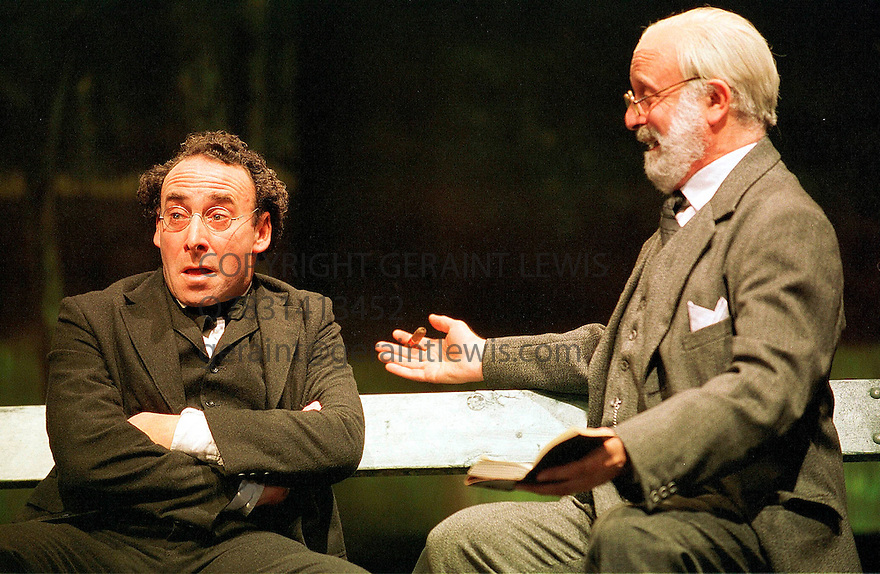 Anthony Sher,Gary Waldhorn in Mahler's Conversions opens at the Aldwych Theatre on 2/10/01  pic Geraint Lewis